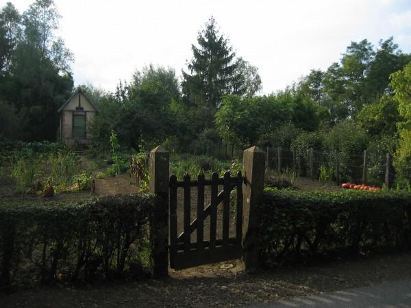 garden gate, Pont-de-Vaux, France