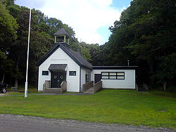 250px-Prudence-island-schoolhouse-in-2007