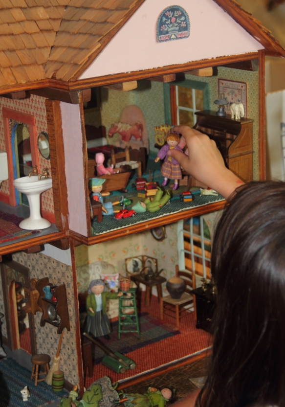 dollhouse1