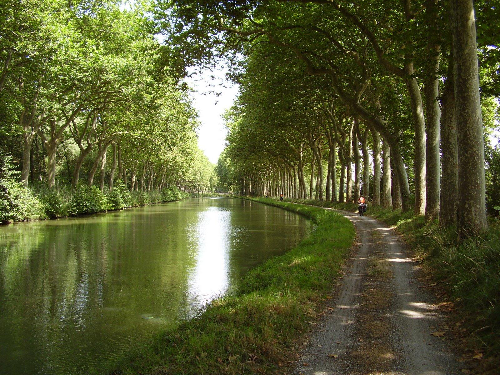 canal packed midi ready du polly camera